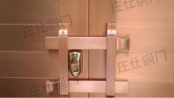 铜门刮擦伤后怎样处理可以减缓被空气氧化?