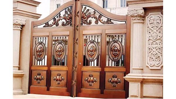 一扇铜门,传承家族荣耀